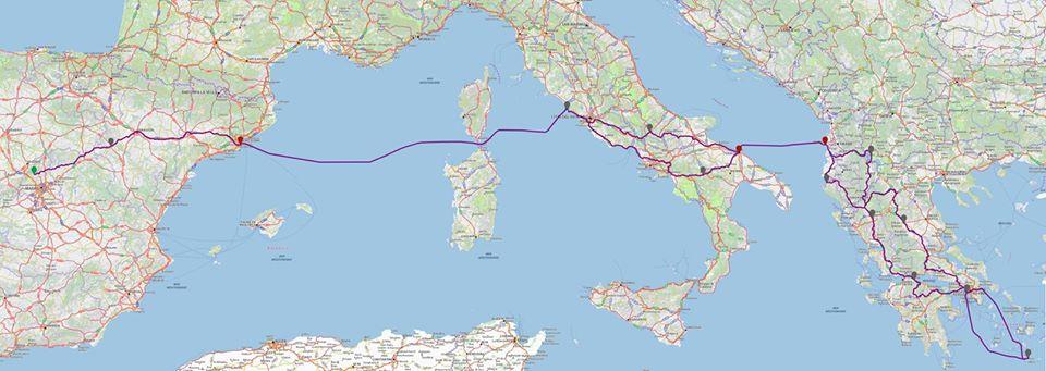 Itinerario a Santorini (Grecia) pasando por Italia, Albania y Macedonia